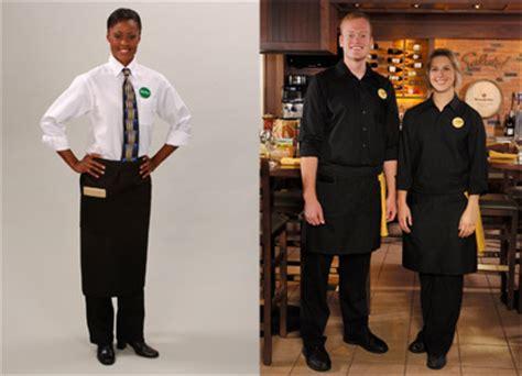 Olive Garden Attire Olive Garden Waiters Get Sleek New Look Investorplace