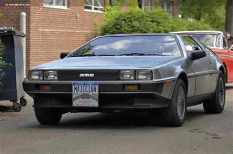 Delorean Dmc 12 Concept by 1981 Delorean Dmc 12 Pictures History Value Research