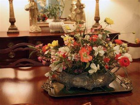 Floral Centerpieces For Dining Tables Dining Table Centerpiece Decorating Ideas Home Interior Design