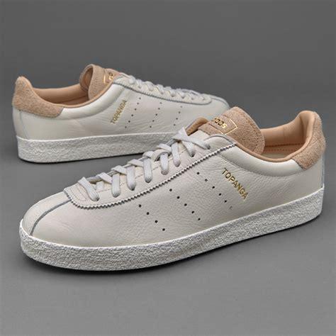 Sepatu Boot Sepatu Adidas Sneaker sepatu sneakers adidas originals topanga clean white