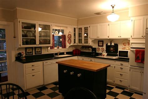 Vintage Decorating Ideas For Kitchens Giving A 1930s Kitchen Some Old Fashioned Charm Hooked