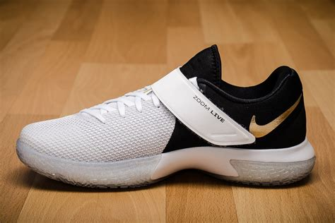 Nike Zoom Live nike zoom live shoes basketball sporting goods sil lt