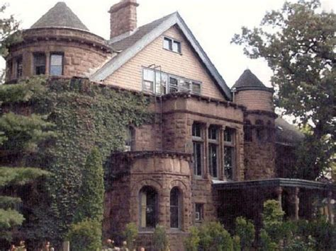 images  haunted homes  sale  pinterest