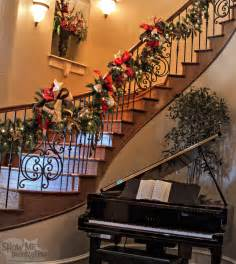 Christmas Banister Decorations Show Me Decorating Create Inspire Educate Decorate