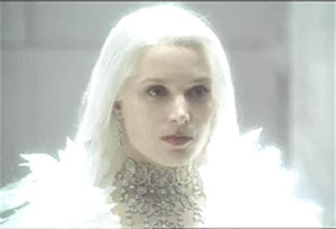 film snow queen 2002 what known characters is all white or wears white yahoo