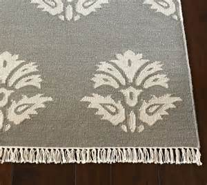 Pottery Barn Medallion Rug Enzo Medallion Dhurrie Rug Gray Pottery Barn