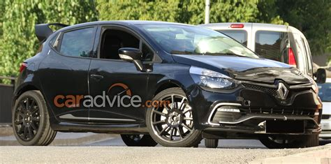 renault clio sport 2017 2017 renault clio rs 16 spied photos 1 of 8