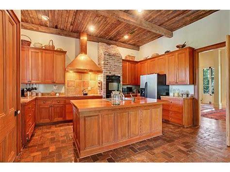 1 hummock ln covington la 70433 mls 2018746 redfin intr home house kitchen
