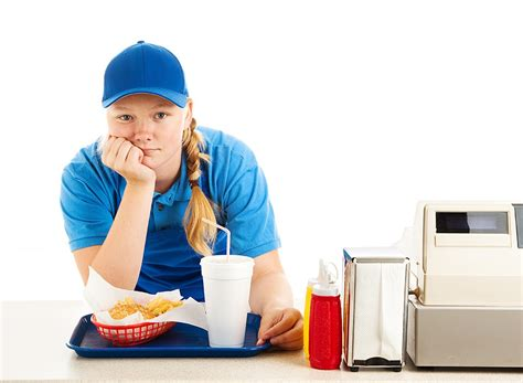 25 secrets fast food employees don t want you to eat this not that
