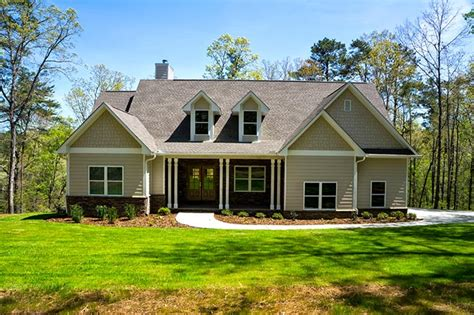 one story country house plans one or two story craftsman house plan country craftsman house plan