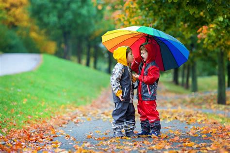 kid couple wallpaper hd cute couple with umbrella hd wallpapers