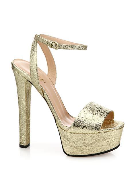 gucci platform sandals gucci leila metallic leather platform sandals in metallic