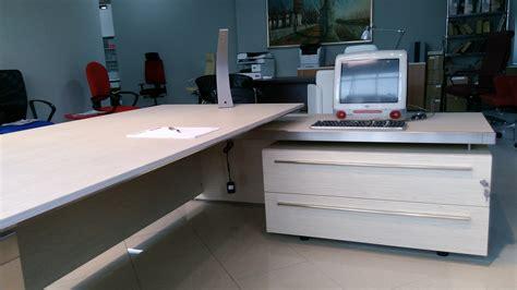 mobili scrivanie las mobili per ufficio eos scrivanie legno arredo
