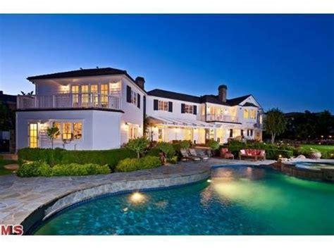 gordon ramsay house gordon ramsay moves to 6 75 million dollar mansion starmap