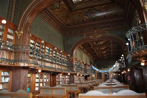 libreria dell università 25 biblioteche pubbliche da far girar la testa corriere it