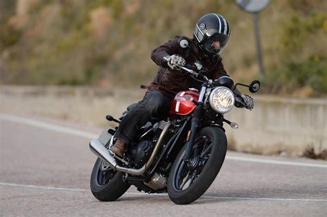 Motorrad Online Triumph by Triumph Street Twin Test Motorrad Fotos Motorrad Bilder