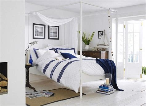 blue and white themed bedroom des id 233 es de d 233 co pour la chambre d un homme bricobistro