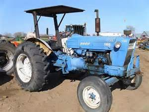 ford 5000 tractor salvaged for used parts this unit is
