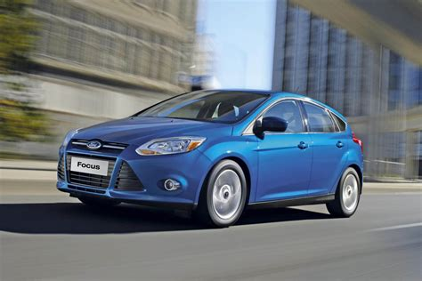 ford focus  ecoboost  drives auto express