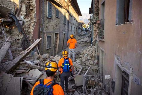 Search Earthquake Israel Earthquake Search Rescue Teams Arrive In Italy Israel News Agency