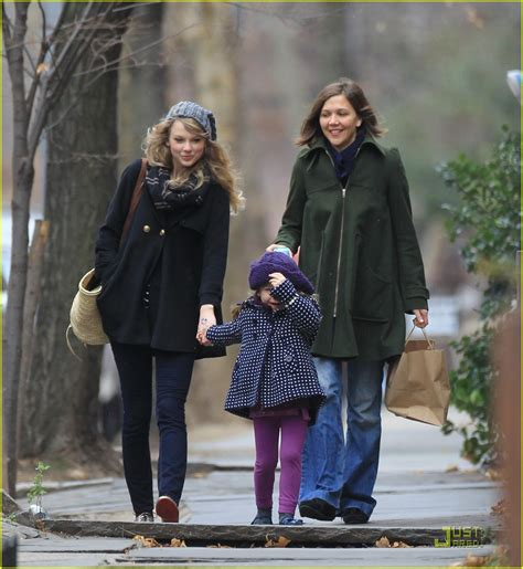 Chappaqua New York jake gyllenhaal amp taylor swift more thanksgiving pics