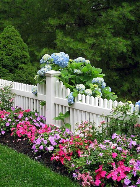 white picket fence garden ideas      wow