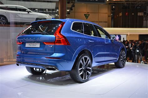 volvo plans  debut    electric vehicle    mile range