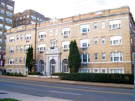 appartments in pittsburgh the adrian apartments in pittsburgh