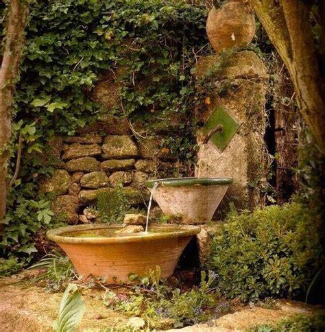 decorar el jardín y terraza 30 ideas para decorar tu jard 195 173 n con fuentes decoraci 243 n