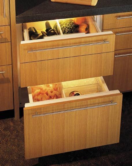 sub zero refrigerator drawers not cooling sub zero 27 quot combo refrigeration freezer drawers 700bc