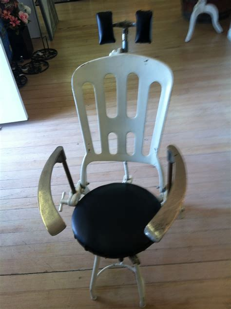 Chair Company Design Ideas This Is A Vintage Dental Chair How Cool Is That Www Sheasconsignanddesign Vintage Ideas