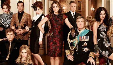 Drama In Liz Hurleys by Elizabeth Hurley In Başrol 252 N 252 Oynadığı The Royals Dizimax