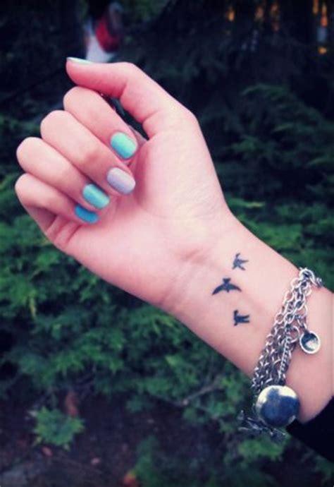 small hideable tattoos bird tattoos on wrist www pixshark images