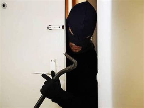 sognare ladri in casa cosa significa sognare un ladro interpretazione dei sogni