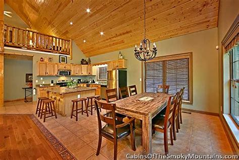 gatlinburg cabin riverside lodge 5 bedroom sleeps 21