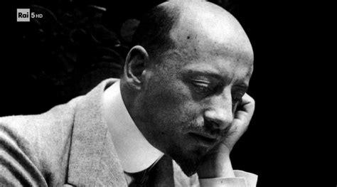 gabriele dannunzio biografia letteratura gabriele d annunzio esperienziando vitae