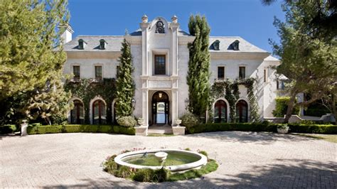 1 million dollar haunted house michael jackson s home sells for 18 1 million