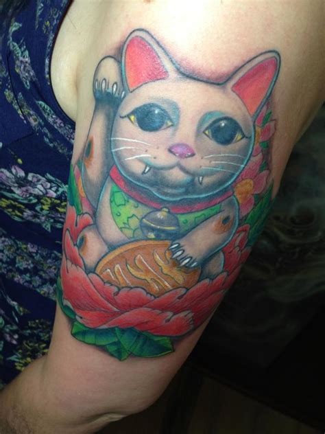 maneki neko tattoo maneki neko by mr jones tattoonow