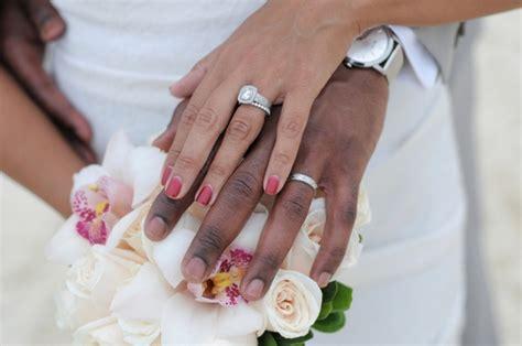 manicure da sposa smalto rosso 3749   LetteraF