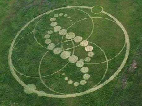 figuras geometricas hechas por extraterrestres los circulos de los campos de cultivo misterios al