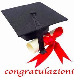 frasi di auguri per laurea in lettere auguri laurea frasi biglietti immagini e dediche