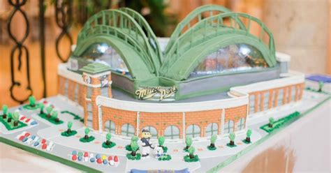 The Brewers GM's wedding cake is perhaps the best in MLB