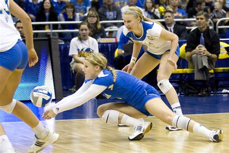 libero volleyball ucla women s volleyball sweeps florida state to advance to