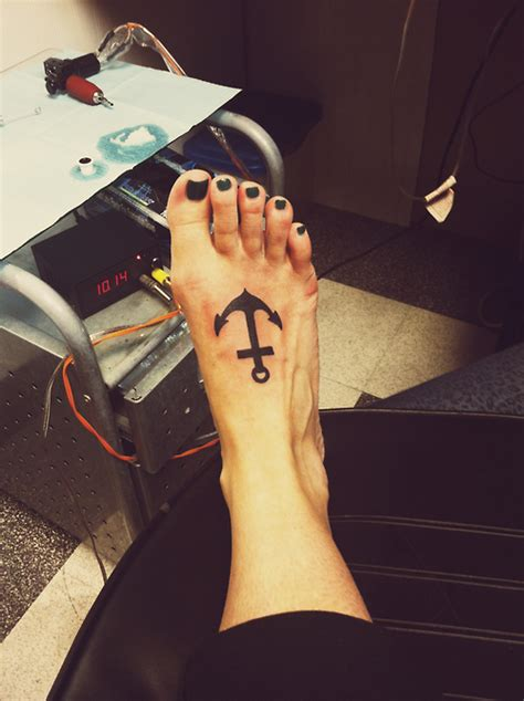 simple tattoo on foot nautical anchor tattoos archives tattoou
