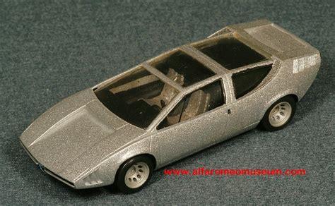 1968 iguana italdesign 1 43 171 alfa romeo model car museum