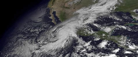 imagenes satelital huracan patricia why hurricane patricia intensified then weakened so