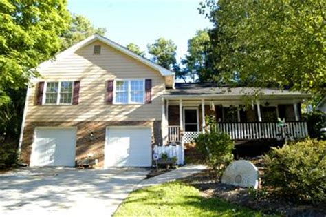 classic split level home for sale in tucker