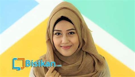 tutorial hijab pashmina simple untuk acara santai dan sehari hari tutorial hijab pashmina