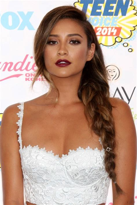 Shay mitchell shay mitchell clothes amp outfits steal her style