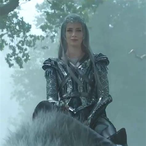 film fantasy z hemsworthem m 234 phim the huntsman winter s war trailer 1 sneak peek